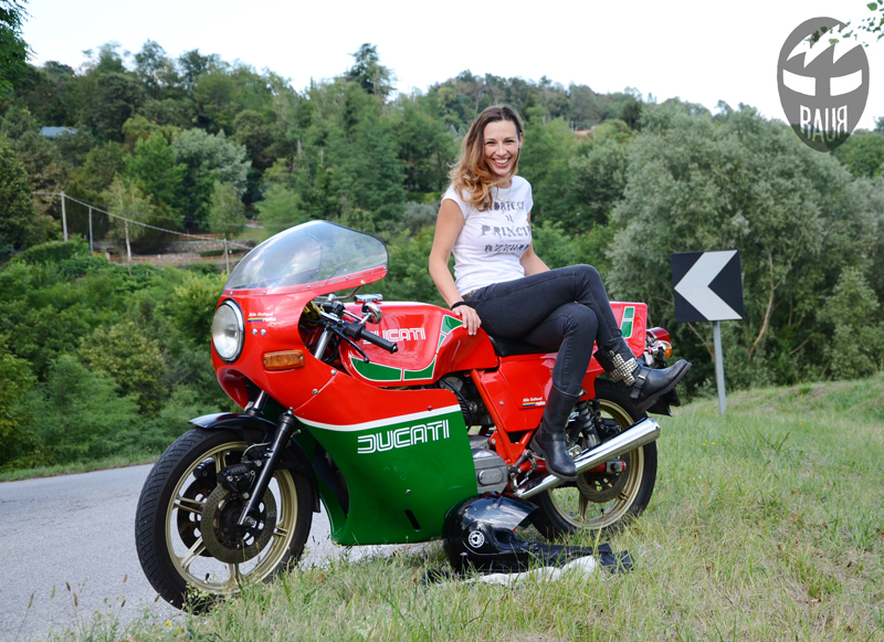 Babila blogger with Ducati Mike Hailwood