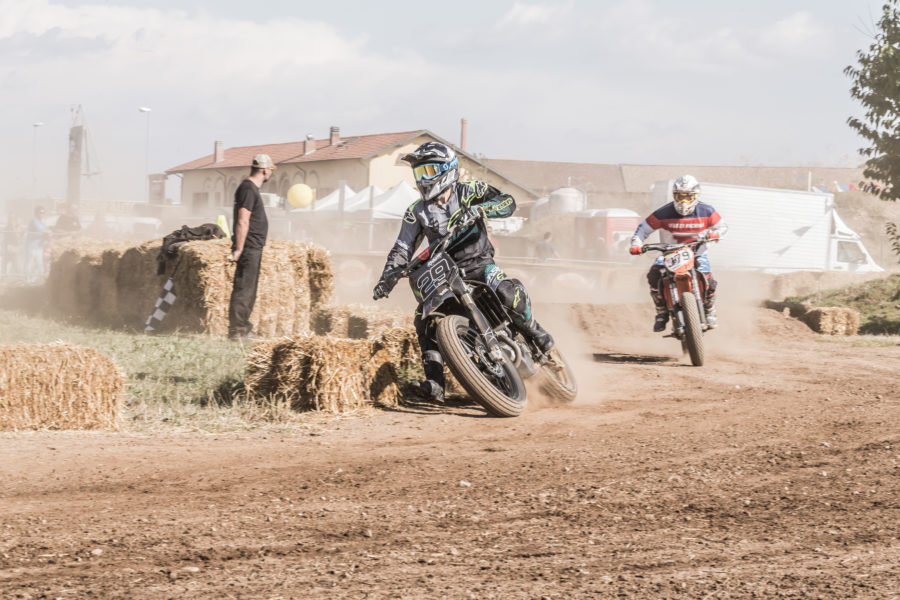 Babila, raur, the dirty day, flat track, ditraverso school, women who ride